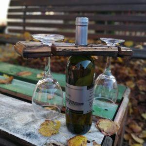 Držač za čaše od stare bačve
